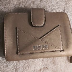 Womens Kenneth Cole Wallet
